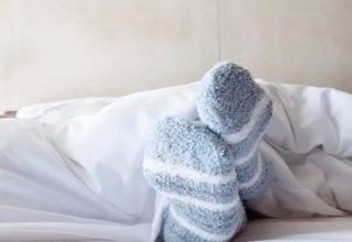 Çorapla Uyumak Normal Mı?